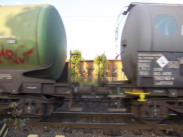 Güterzug bei der Einfahrt in den Bahnhof. Foto: Erich Weiß