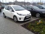 Neues Ökobil-Auto auf neuem Parkplatz