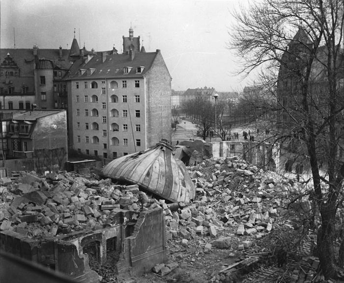 Synagoge Nach Der Sprengung  Foto Aus Judisches Bamberg