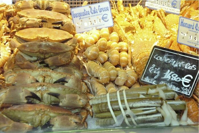 Krebse, Langostinos (Scampi), Langusten und Steckmuscheln. Foto: Monika Schau