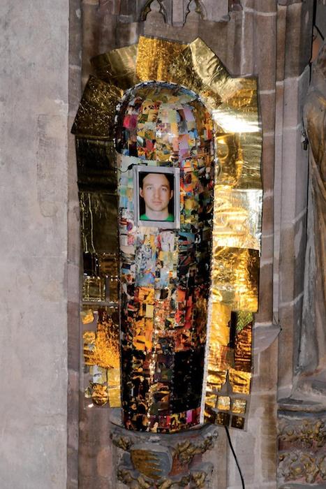 """Kunstinstallation """"heilig, jetzt!"""" in der Nürnberger Frauenkirche im März 2010. Foto: Chandra Moennsad"""