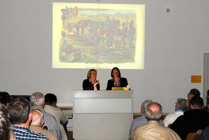 Prof. Sabine Freitag und Dr. Gabriele Wiesemann. Foto: A. Schmidtpeter