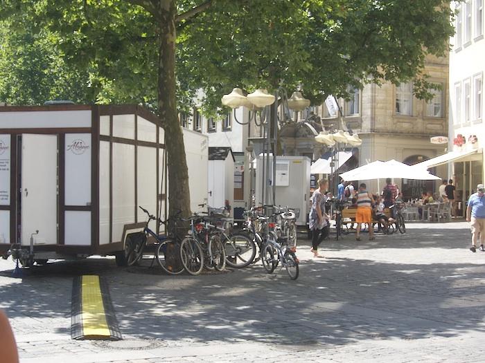 Rückwand am Grünen Markt (Westseite). Foto: Erich Weiß