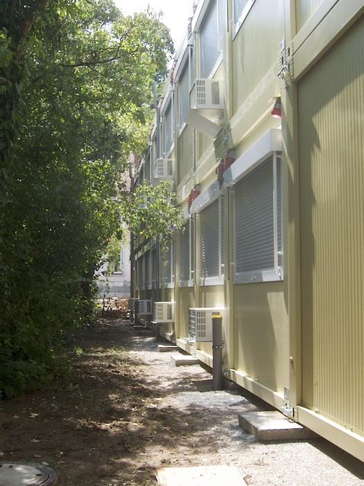 Container für Clavius-Gymnasium auf dem Gelände des Stadtarchivs. Foto: Erich Weiß