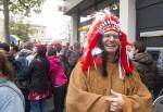 Indianer Mäc Härder freut sich über die freundliche Aufnahme in Bamberg. Foto: Erich Weiß