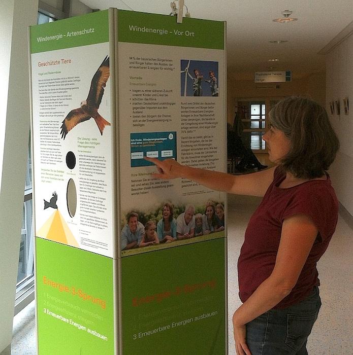 Besucher der Ausstellung können sich an einer Umfrage zur  Akzeptanz der Windenergie beteiligen.