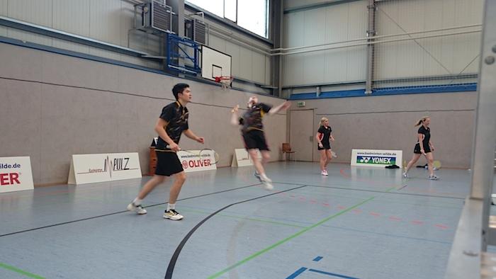 Moritz Cammertoni und Martin Zhang können ihr Doppel gegen Nürnberg im 3. Satz leider nicht für sich entscheiden.