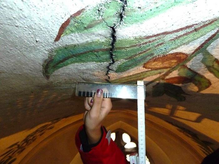 Schaden Michaelskirche: Riss in der Decke