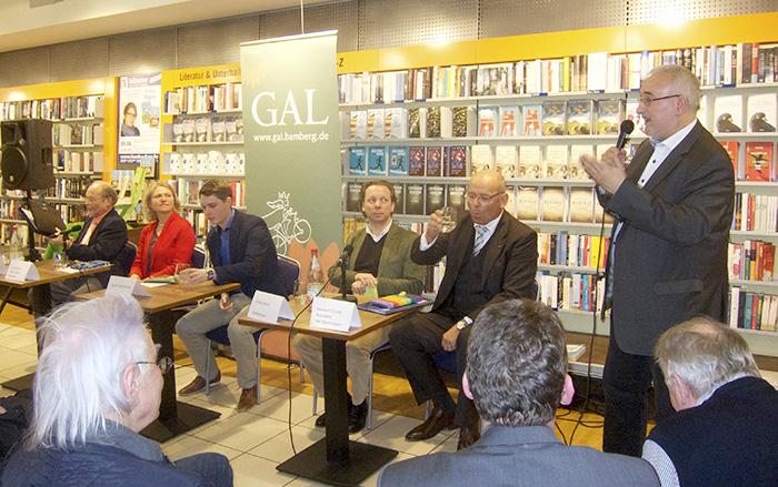 GAL Wirtschaftsdialog in der Buchhandlung Hübscher, März 2015. Foto: Erich Weiß
