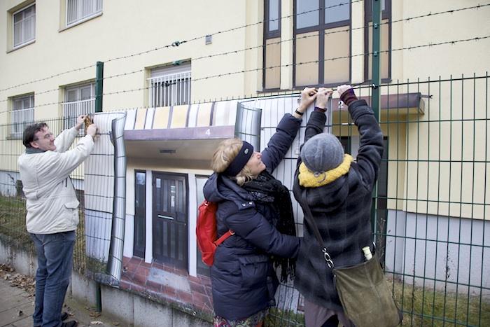 """Der Zaun wird """"aufgerollt"""". Foto: Erich Weiß"""