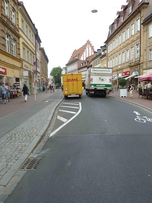 Nach wie vor: Parkplätze in der Langen Straße. Foto: Christiane Hartleitner