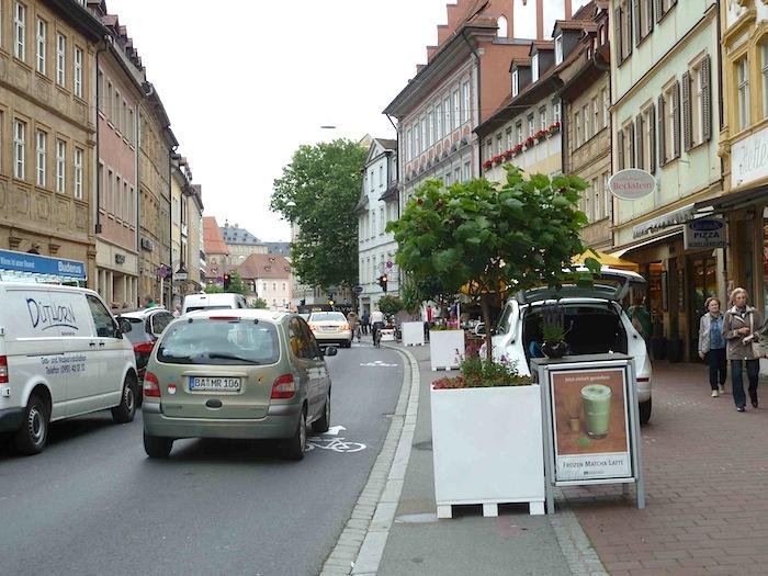 Parkplatz in der Langen Straße. Foto: Christiane Hartleitner