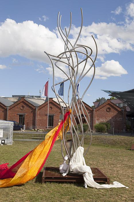 Skulptur von Wagenhäuser mit Ergänzung von Giovanni. Foto: Erich Weiß