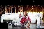 """Vincent Wolfsteiner als Siegfried in """"Götterdämmerung"""" Foto: Ludwig Olah"""