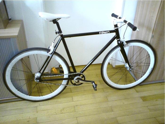 Rennrad der Marke Einzig. Foto: Polizei