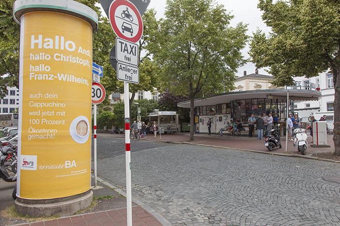 Cappuccino (!) für die Herren Aufsichtsräte. Foto: Erich Weiß