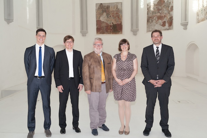 Präsident Godehard Ruppert (Mitte) mit den Preisträgern Christian Maier, Björn Asdecker, Claudia Esch und Eike Michl (v.l.n.r.). Foto: Tim Kipphan
