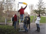Bienenpate Hartmut Held enthüllt den Bienenweg